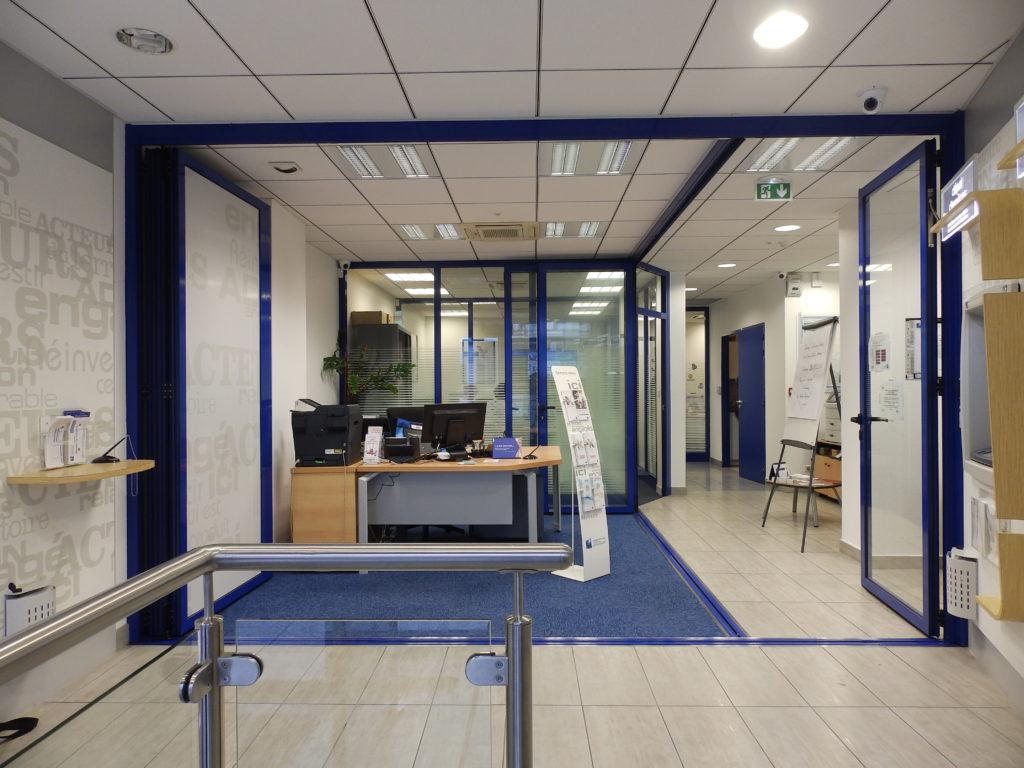 Séparation sécurisée agence bancaire