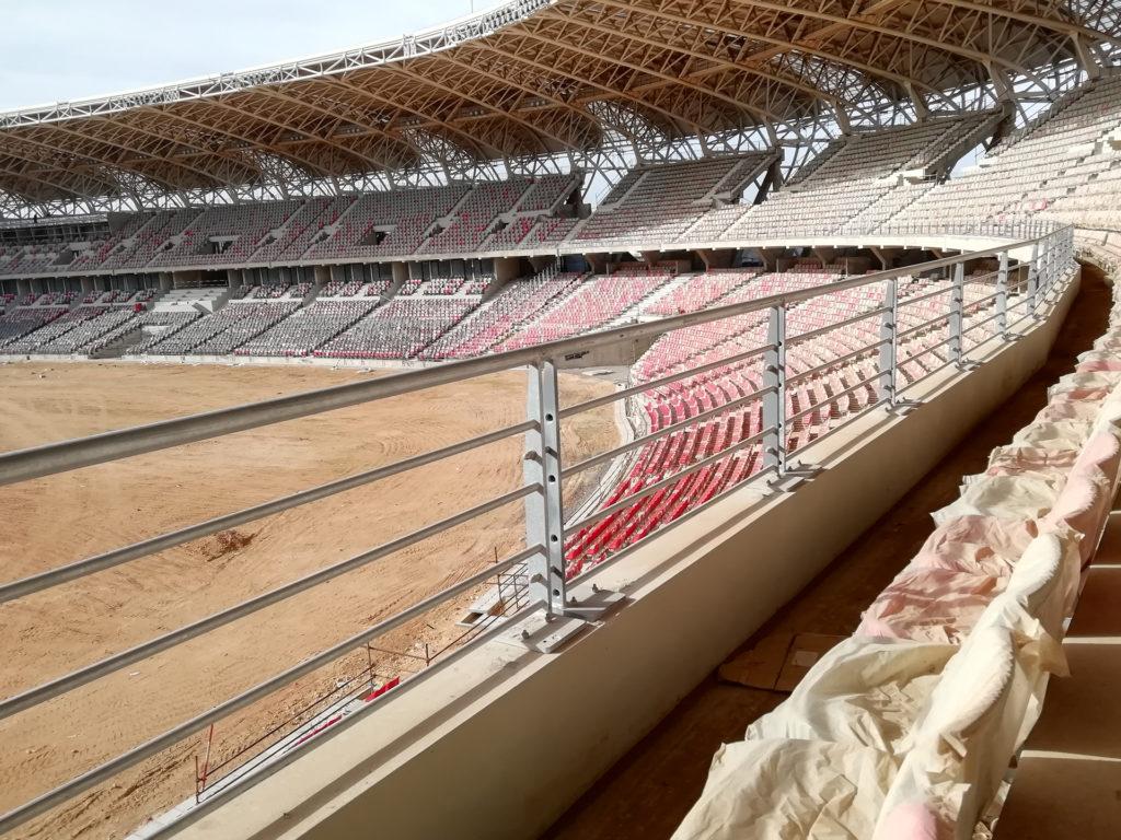Grilles anti-franchissement pour sécuriser le stade